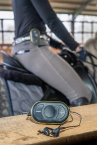 Headset für Reiter: CEECOACH auf der Bande